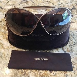 Tom Ford ladies Aviator Catherine Sunglasses EUC!